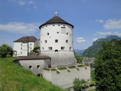 http://www.tiroltours.at/images/festung-kufstein.jpg